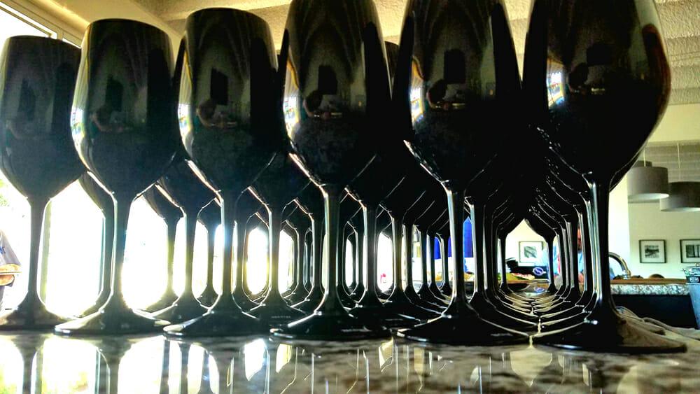 blind tasting of wines in Riedel black stemware at Rott n' Grapes monthly wine tasting